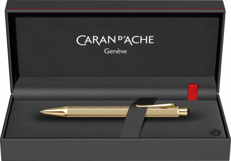 Pix Ecridor CHEVRON GT Caran d'Ache [7]