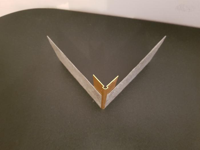 Profil metalic GOLD pentru colt exterior rotund 2,7 ml 3