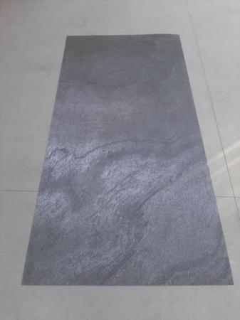 Sapphire 122 x 244 cm (2,9768 mp) [1]