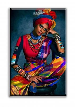 Tablou Canvas Print Femeie cu Haine Colorate [1]