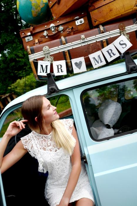 """Banner nunta Mr """"loves"""" Mrs 77 cm [1]"""