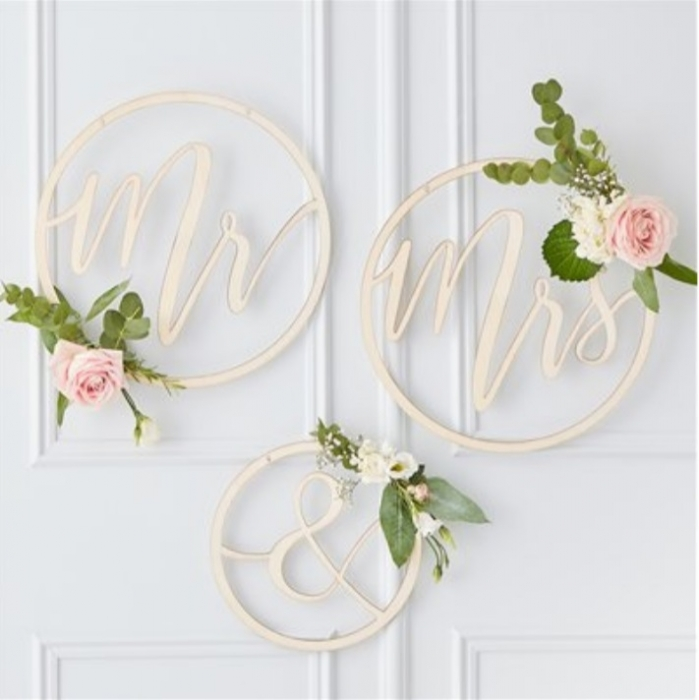 """Cercuri din lemn decor nunta """"Mr&Mrs"""" 0"""