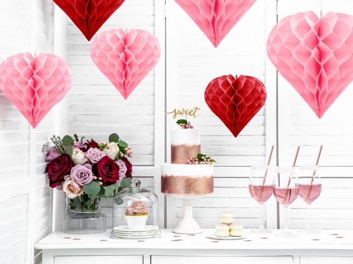 Decoratiune suspendata in forma de Inima roz, 30cm 0