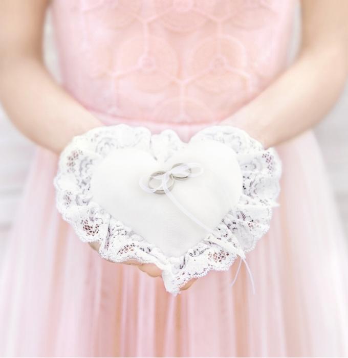 Pernuta verighete Inima, alb, 13x13cm 0