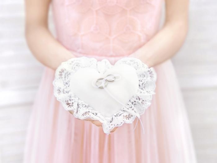 Pernuta verighete Inima, alb, 13x13cm 1