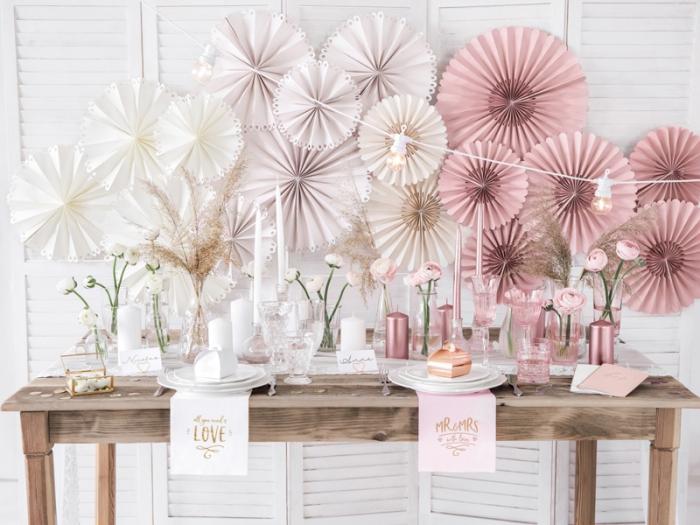 Servetele de hartie roz cu inscriptie aurie Mr & Mrs 5