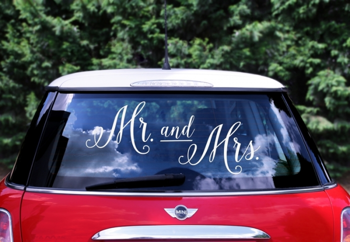 Wedding day sticker masina nunta - Mr. and Mrs. 0