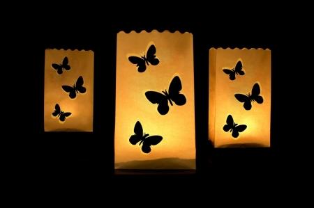 Set Lampioane pentru lumanari cu perforatii in forma de fluturasi, 15 x 9 x 26cm (1 pach / 10 buc)1