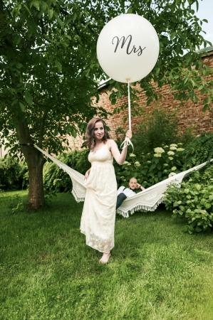 "Balon gigant ""Mrs"", alb (diametru aprox. 1 metru)2"