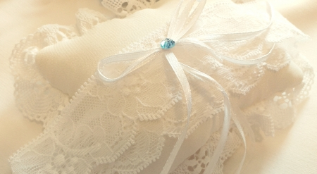 Jartiera dantela alba cu margeluta albastra [2]