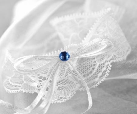 Jartiera dantela alba cu margeluta albastra0