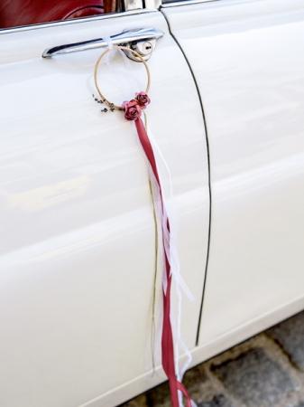 Set decoratiuni auto de culoare rosu inchis  (2 inele si 4 decoratiuni pentru usa-manere)3