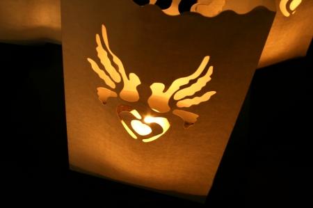Set lampioane pentru lumanari, decupaj decorativ inima si porumbei, 15 x 9 x 26cm (1 pac / 10 buc)1