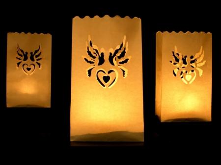 Set lampioane pentru lumanari, decupaj decorativ inima si porumbei, 15 x 9 x 26cm (1 pac / 10 buc)3