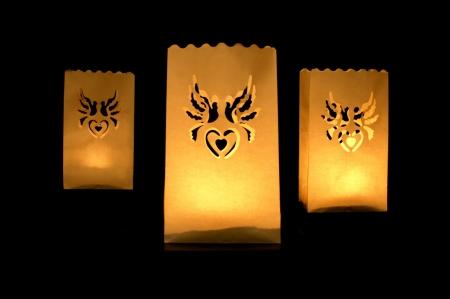 Set lampioane pentru lumanari, decupaj decorativ inima si porumbei, 15 x 9 x 26cm (1 pac / 10 buc)5