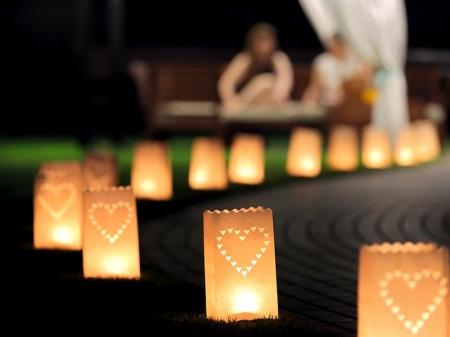 Set lampioane pentru lumanari, decupaj Inima decorativa, dimensiune 15x9x26 centimetri. (1 pach / 10 buc)1