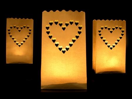 Set lampioane pentru lumanari, decupaj Inima decorativa, dimensiune 15x9x26 centimetri. (1 pach / 10 buc)2