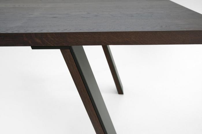 Mese lemn picioare inclinate cu rama metalica E-KLIPSE 002 1