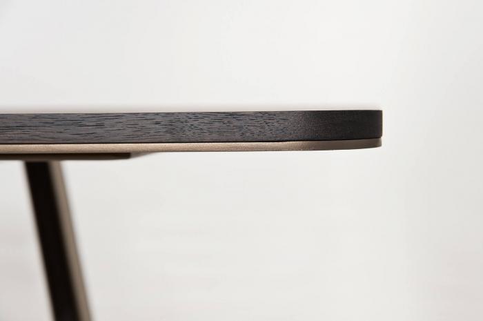 Mese din lemn blat subtire detalii metalice MOBIUS 001 1