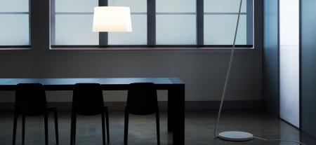 Lampa de podea cu picior si abajur din policarbonat L001T/B4