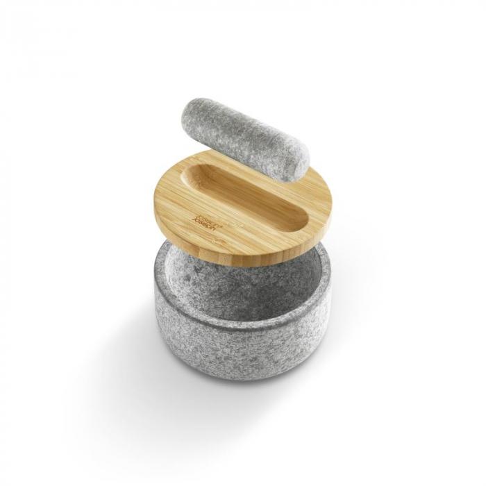Mojar cu pistil granit si capac bambus - Joseph&Joseph 3