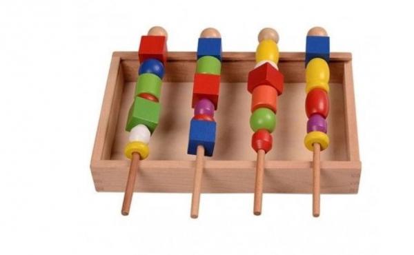 Joc tip Montessori din lemn - Înșiră bilele pe bețe [1]