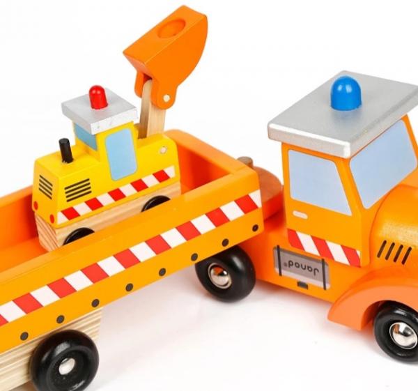 Camion din lemn cu platformă și utilaje [2]