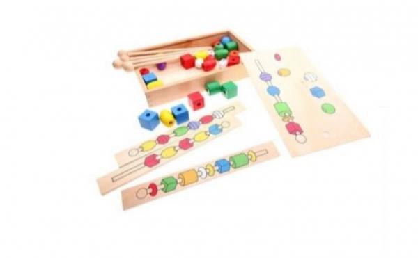 Joc tip Montessori din lemn - Înșiră bilele pe bețe [5]