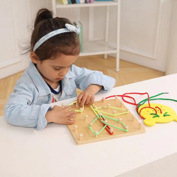 Joc din lemn Montessori Geoboard cu elastice [4]