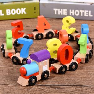 Trenulet din lemn cu 10 vagoane - Cifre [0]
