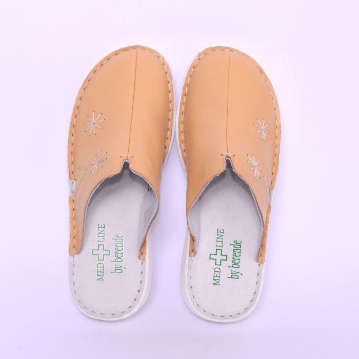 Papuci piele naturala Medline, Bej 298 [1]