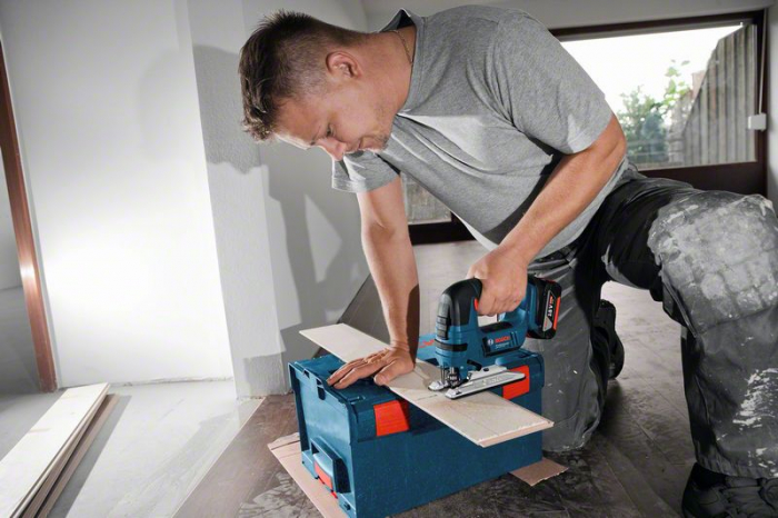 Bosch GST 18V-LIB Ferastrau vertical cu acumulator, 18V, 120mm + 2 x Acumulatori GBA 18V 5.0Ah + Incarcator rapid GAL 1880 CV + L-boxx 136 0