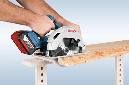 Bosch GKS 18 V-57 Ferastrau circular cu acumulator, 18V, 165mm, cutie carton (solo) [1]