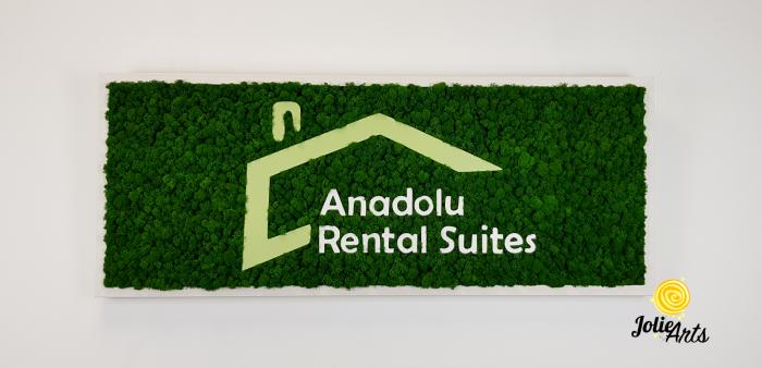 Logo Anadolu Rental Suites decorat cu licheni naturali stabilizati [2]