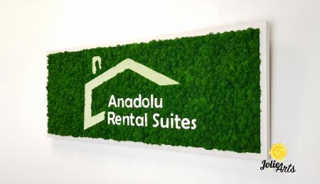 Logo Anadolu Rental Suites decorat cu licheni naturali stabilizati [1]
