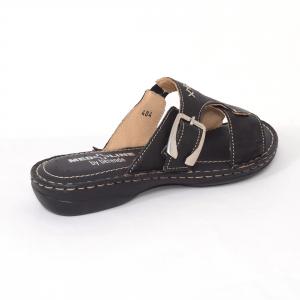 Papuci din piele naturala Medline, 404 Negru1
