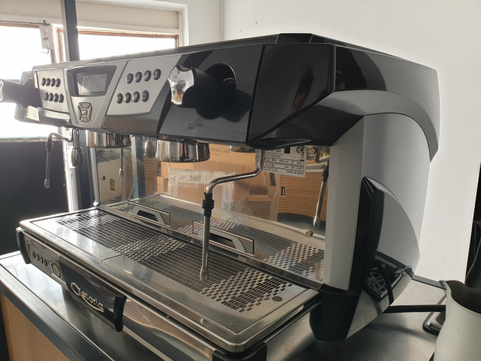 Espressorul Astoria Plus 4 3