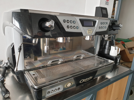 Espressorul Astoria Plus 40
