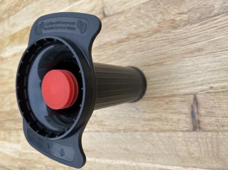 Piston negru cu manere pentru Cafflano Kompresso10