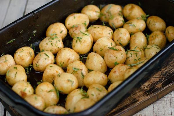 Cartofi noi mici spalati pentru ceaun 1 KG 0
