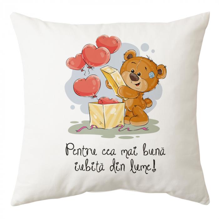 "Perna personalizata patrata alba ""Cea mai buna iubita din lume"", model ursulet, poliester, 40×40 cm 0"