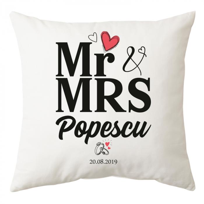 Perna personalizata patrata alba, Mr&Mrs, poliester, 40×40 cm 0