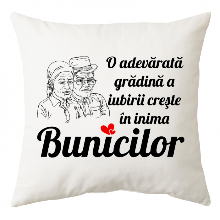 "Perna personalizata patrata alba, model ""O adevarata gradina a iubirii creste in inima Bunicilor"", poliester, 40×40 cm 0"