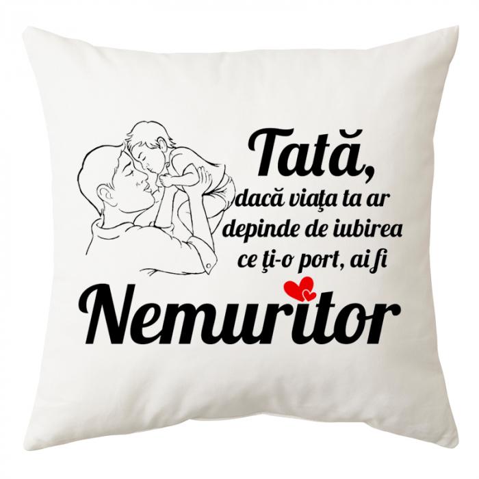 "Perna personalizata patrata alba, model ""Tata nemuritor"", poliester, 40×40 cm 0"