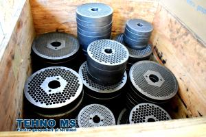 Granulator Furaje KL-120 motor 3kw/1500 RPM/230V/80kg/h cu 3 matrite (fara motor)4