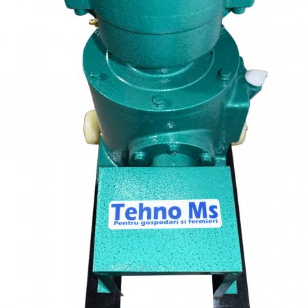Granulator Furaje KL-120 motor 3kw/1500 RPM/230V/80kg/h cu 3 matrite (fara motor)6
