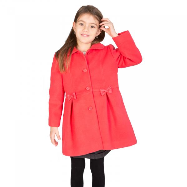 Palton cu guler tip cămaşă, accesorizat cu fundițe și nasturi îmbrăcați cu același material folosit și pentru căptușeală.  Purtând acest palton, fetița dumneavoastră se va simți elegantă mergând la scoală, ca și mami când merge la serviciu. 0
