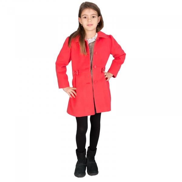 Palton cu guler tip cămaşă, accesorizat cu fundițe și nasturi îmbrăcați cu același material folosit și pentru căptușeală.  Purtând acest palton, fetița dumneavoastră se va simți elegantă mergând la scoală, ca și mami când merge la serviciu. 2