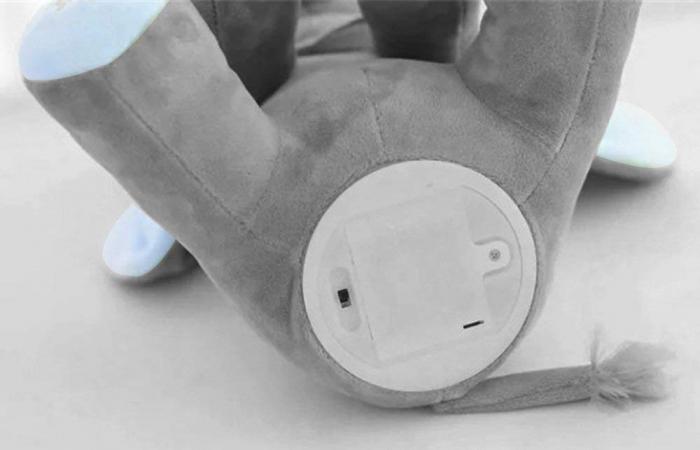 Elefant Cucu Bau, Peek a Boo, canta si vorbeste in Limba Romana - Editie de Craciun - Gri/Albastru [4]