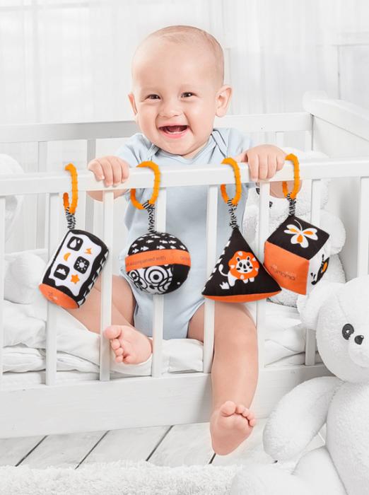 Set 4 jucarii zornaitoare pentru bebelusi, Forme Geometrice, varsta +3 luni, Tumama®, alb/negru [5]